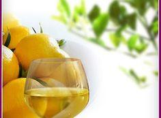 Nalewka imbirowa  10 dag korzenia świeżego imbiru 2 cytryny 3 łyżki  miodu  0.75 l wódki 45% 10dag cukru  Imbir umyj, pokrój w cienkie plasterki wraz ze skórką. Cytryny sparz wrzątkiem i pokrój na ósemki. Do wyparzonego słoja włóż wszystkie składniki  dodaj cukier . Zalej wódką   wszystkie składniki .  Zakręć słój i odstaw na 8 tygodni w ciemne miejsce. Potrząsaj słój raz w tygodniu. Przecedź zawartość słoja. Rozlej do wyparzonych butelek i ponownie szczelnie zakręć i odstaw na około 4…