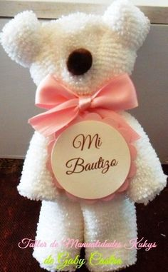 Make beautiful teddy bear souvenirs for baptisms and baby showers ~ Do Manualida… – Baby Shower İdeas 2020 Baby Boy Shower, Baby Shower Gifts, Baby Showers, Towel Origami, Diy And Crafts, Crafts For Kids, Towel Animals, How To Fold Towels, Towel Crafts