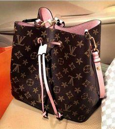 Luxury Handbags, Louis Vuitton Handbags, Fashion Handbags, Purses And Handbags, Fashion Bags, Fashion Fashion, Runway Fashion, Fashion Trends, Sacs Louis Vuiton