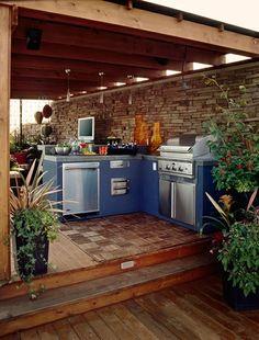 Praktische Küche im Garten holz fußboden kühlschrank