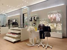 Window Display - VM - Store Interior - FENDI Kids store, Doha – Qatar