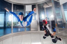 Montréal offers plenty of diverse team-building options. From adrenaline-pumping experiences (such as indoor skydiving) to more restorative moments (a spa on a boat!), these 9 activities make your team more cohesive than ever.