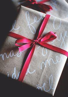 Christmas wrapping DIY