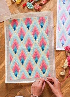 Petit Point Kit Algodon Pima Wynwood Broderie Bargello, Diy Broderie, Bargello Needlepoint, Needlepoint Patterns, Cross Stitch Embroidery, Embroidery Patterns, Hand Embroidery, Cross Stitch Patterns, Contemporary Embroidery