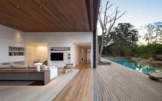 Indoor/Outdoor space at it's best. Arthur Casas modern house architecture