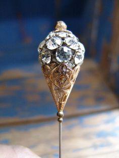 Or Antique, Antique Jewelry, Vintage Jewelry, Vintage Purses, Vintage Hats, Etsy Vintage, Hijab Pins, Victorian Hats, Hat Boxes