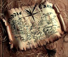 Для поклонников творчества #Толкина - #часы в виде карты #Средиземья. Благодаря своей форме, часы великолепно смотрятся на стене. Сами по себе являются прекрасным #арт объектом, дополняют интерьер и дарят вкус дальних странствий... ВНИМАНИЕ! Карта изображена условно, для путешествий по Средиземью советую приобрести профессиональное издание :) #часы #часынастенные #картасредиземья #ролевики #хоббит #толкин #артобъект #дизайнстен #дизайнквартиры #властилинколец #хоббитилитудаиобратно