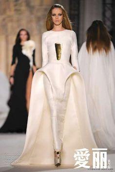 Свадебное платье будущего. Футуризм!
