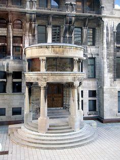 Built in 1893 by Quan Nguyen, via Flickr