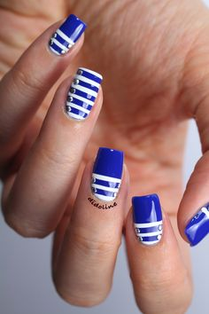 Pretty blue & white nails