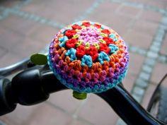 Crochet Home, Love Crochet, Knit Crochet, Hippie Crochet, Crochet Velo, Guerilla Knitting, Velo Tricycle, Crochet Designs, Crochet Patterns