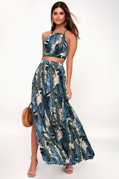 Get in touch with your flirty side in the Back to Your Roots Teal Blue Leaf Print Two-Piece Maxi! A floral print two-piece dress with a crop top and maxi skirt. Floral Print Maxi Dress, Floral Chiffon, Beachy Maxi Dress, Floral Dresses, 21 Dresses, Romper With Skirt, Maxi Dress With Sleeves, Estilo Resort, Summer Formal Dresses