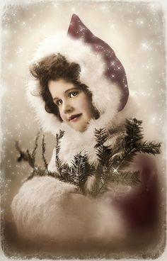 Une dame dans son beau manteau d'hiver