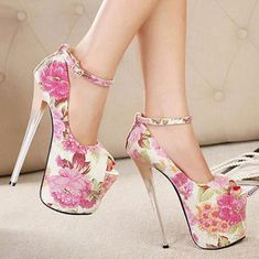 New arrivals sexy ankle trap 19 cm ultra high heels peep toe shoes floral pumps with red bottoms white Hot Heels, Sexy High Heels, Extreme High Heels, Super High Heels, Beautiful High Heels, Platform High Heels, High Heels Stilettos, High Heel Boots, Shoe Boots