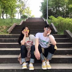 Images and videos of ulzzang couple Mode Ulzzang, Ulzzang Girl, Couple Posing, Couple Shoot, Cute Couples Goals, Couple Goals, Senior Photography, Couple Photography, Couple Aesthetic