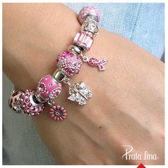 Pulseiras de berloques fazem qualquer um se apaixonar!  Você pode comprar sua pulseira aqui:  http://pol.vu/1u4
