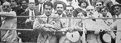 Generación del 27. El actor Buster Keaton visitó Málaga en 1930 y conoció al activo grupo de poetas y artistas malagueños de la Generación del 27.