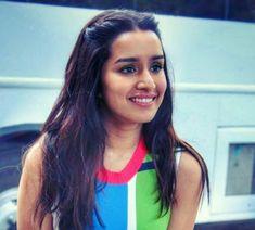 Sraddha Kapoor, Acting Career, Indian Girls, Hijab Fashion, Indian Actresses, Pretty Woman, Sunglasses Women, Daughter, Singer