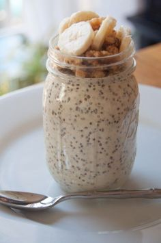 Banana Vanilla Bean N'Oatmeal made with chia seeds and is 21 Day Sugar Detox compliant! Recipe courtesy of Paleo Parents.
