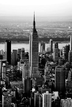 We are in an Empire State of Mind. Empire State Building, Manhattan, New York. Empire State Building, Empire State Of Mind, New York Tumblr, Guide New York, Places To Travel, Places To See, Travel Stuff, Magic Places, Ville New York