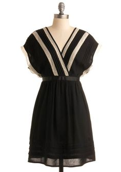 This is such a pretty dress!
