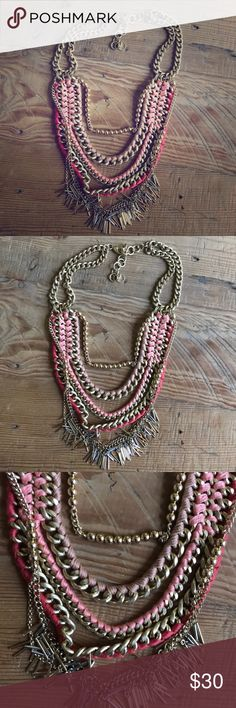 Stella & Dot peach necklace great condition Stella & Dot peach and gold layered necklace great condition Stella & Dot Jewelry Necklaces