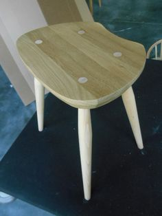 Original 425CM Saddle stool with a solid oak seat