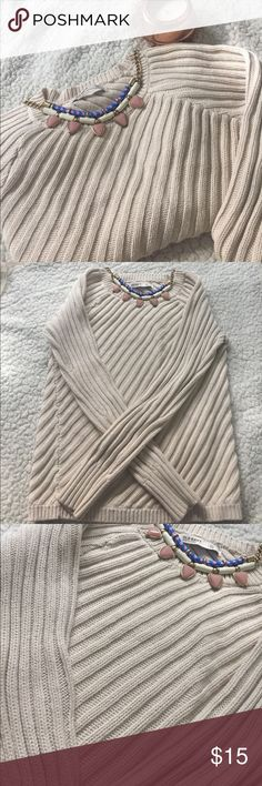 Cream Sweater Thick, textured sweater in size XS. Great condition. Old Navy Sweaters Crew & Scoop Necks