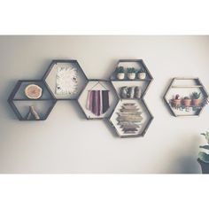•hexagons are a favorite• How do you style yours? #hexagon #hexagonshelves #woodengeometric #wood #geometric #shelves #home #homedecor #decoration #walldecor