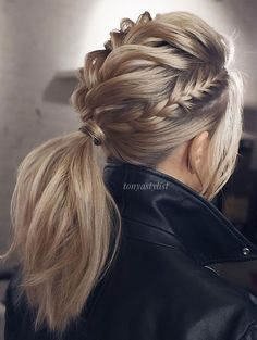 Braided Updo Hairstyles ❤️ Hair updos are really po… Updo braided hairstyles ❤️ Hair hair are very popular now and it's no wonder why. It does not matter if you are a student or a politician – there is always something for you! Valentine's Day Hairstyles, Braided Hairstyles Updo, Pretty Hairstyles, Wedding Hairstyles, Hairstyle Ideas, Braided Ponytail, Low Ponytails, Simple Hairstyles, Mohawk Braid Updo