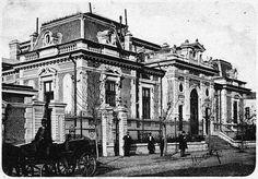 Banca Naţională. Clădirea aflată pe Calea Călăraşilor a fost construită în 1886 de către architectul Grigore Cerchez în stilul academic.