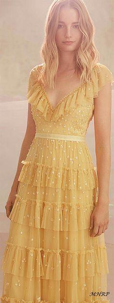 Bohemian maxi dress, boho style clothing, boho-chic clothes, gypsy summer long dress on boho boutique Pretty Outfits, Pretty Dresses, Beautiful Outfits, Mode Chic, Mode Style, Evening Dresses, Prom Dresses, Summer Dresses, Yellow Dress Summer