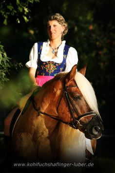 """""""Ein bisschen verträumt..."""" Haflinger Hengst liz. Steiermark mit Sandra Luber aus Berching, Foto: Manuela Schneider, http://www.kohlfuchshaflinger-luber.de"""