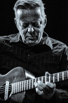 Tommy Emmanuel and Martin Taylor - Thu 28 March 2013 -0019 by The Queen's Hall, via Flickr