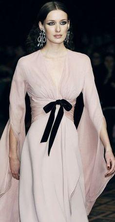 Like this. No bow and no kimono sleeves.