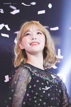 K-Pop Babe Pics – Photos of every single female singer in Korean Pop Music (K-Pop) Kpop Girl Groups, Korean Girl Groups, Kpop Girls, Kpop Hair Color, Jihyo Twice, Cute Korean, Female Singers, Single Women, Magical Girl