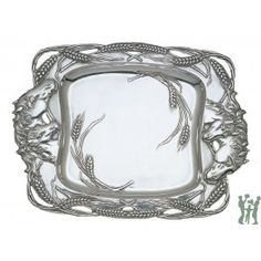 Make a statement in your dining room with the Aluminum Horse Clutch Tray, adorned with a running horse and wheat motif for a true equestrian feel. This unique piece is designed by Arthur Court.