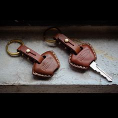"""Handmade Leather Triumph key case. Type:01/02 #vitmehandcraft #leathergoods #handmade #keycover #triumph #triumphmotorcycles #vegtan #accessories"""