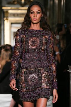 vogue-is-viral:fashion—victime: Joan Smalls for Emilio Pucci Spring/Summer 2015 RTW Fashion Week, Boho Fashion, Fashion Show, Womens Fashion, Fashion Design, Net Fashion, Milan Fashion, Fashion Art, Emilio Pucci