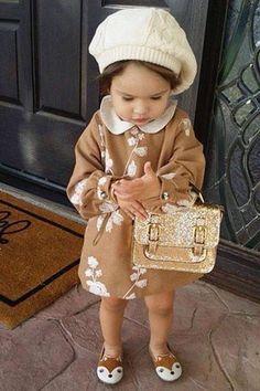 Cute !!! But no purse #VintageKidsFashion Little Girl Fashion, Toddler Fashion, Fashion Kids, Fashion Clothes, Babies Fashion, Newborn Fashion, Dress Clothes, Fashion Fashion, Womens Fashion
