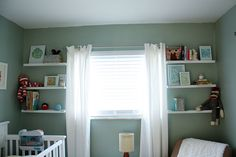 The layout of this room is just like my baby's room, except there is a closet on the right side...I'm going to put these same shelves next to the windows.