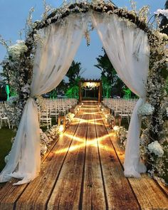2019 Top 14 Must See Rustic Wedding Ideas for a Memorable Big Day---rustic wedding arbor, outdoor wedding ceremony, wedding flowers, country wedding ideas Wedding Locations, Wedding Themes, Wedding Ideas, Wedding Rustic, Rustic Weddings, Wedding Country, Wedding Church, Trendy Wedding, Wedding Dresses