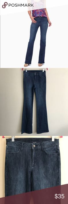 "Splendid Indigo Flare Leg Jeans Splendid indigo flare leg jeans in a size 27. They are a soft, medium wash denim with a 4 pocket style, and a silver button with zipper closure.   Approximate measurements lying flat: Waist-14""; Rise-9.5""; Inseam-33.5"" Splendid Jeans Flare & Wide Leg"