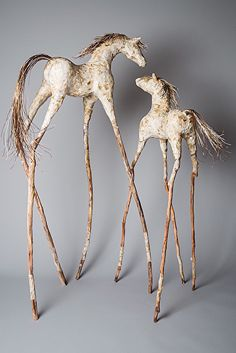 Natures_Promise II_Mare et poulains Over the girl's five-decade employment, artist Viola Frey manufactured a notable Paper Mache Projects, Paper Mache Clay, Paper Mache Sculpture, Paper Mache Crafts, Horse Sculpture, Animal Sculptures, Clay Art, Clay Clay, Ceramic Sculptures
