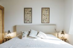 restful room in the agriturismo Le Mole sul Farfa, botanical prints, linen bedsheets. Visit our website for more pictures. Photo by Christa Gaigg Le Mole, Botanical Prints, Bed Sheets, Rooms, Website, Pictures, Furniture, Home Decor, Bedrooms