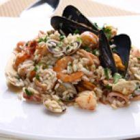 Το ριζότο θαλασσινών είναι ένα πιάτο που ικανοποιεί και τους απαιτητικούς ουρανίσκους. Rice Salad, Pasta Salad, Potato Salad, Gnocchi, Cooking Recipes, Chicken, Meat, Aglio, Ethnic Recipes