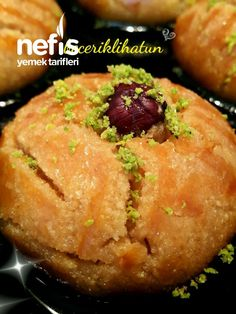 How to make Teremyağlı Patisserie Style Şekerpare Recipe? Yummy Recipes, Muffin Recipes, Dessert Recipes, Yummy Food, Desserts, Turkish Recipes, Ethnic Recipes, Wie Macht Man, Banana Ice Cream