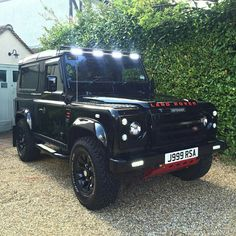 Land Rover Defender spectacular -The Clean Machine.....