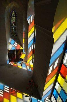julienfoulatier:    Installation byDanielBuren.  www.danielburen.com