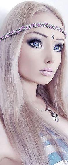 (5) Valeria Lukyanova